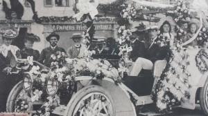 Voiture de la société des eaux d'Evian  28 09 1906 fête des roses