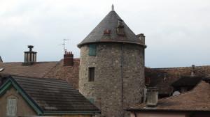 Tour - Vestige du château médiéval ?