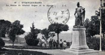 La Statue du Général Dupas et le Square - Evian