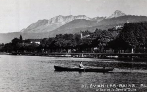 Le lac Léman et la dent d'Oche - Evian