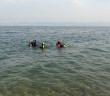 Jacky encadre des plongeuses encadrées, Emma et Agnès