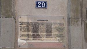 Demoiselle Pernette Grenat plaque concernant les anciens hospices d'Evian