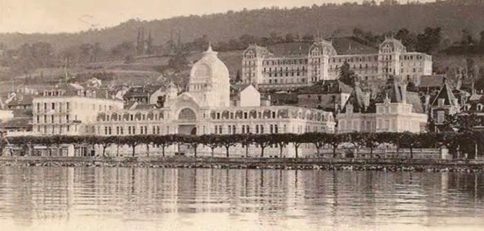 Etablissement thermal et vue du Splendide par Jullien frères désigne Louis II (1856-1920) et Frank (1863-1933) Jullien, photographes et éditeurs de cartes postales
